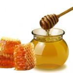 Áp dụng cách chữa táo bón cho bé sơ sinh bằng mật ong là phản khoa học