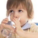 Biện pháp đơn giản chữa táo bón cho trẻ em